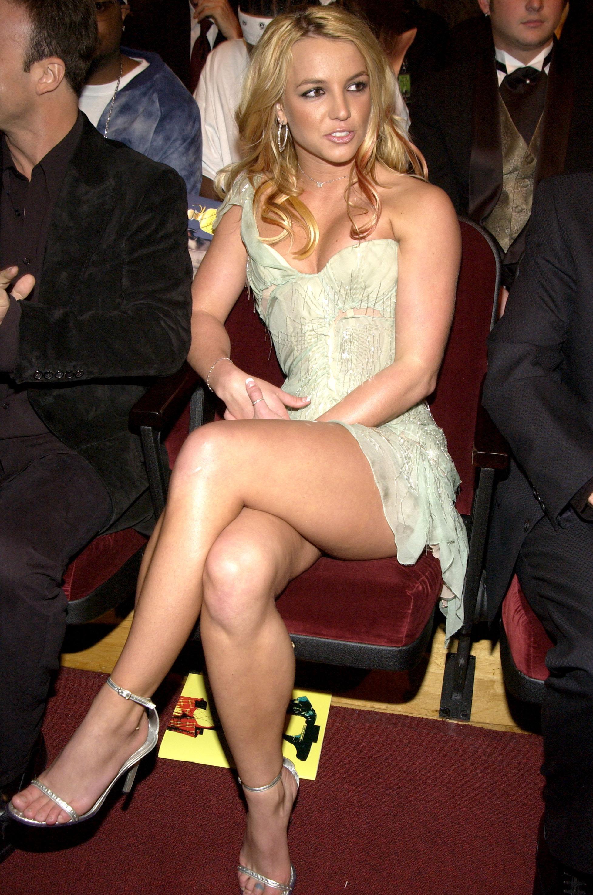 Фото ножки знаменитостей 16 фотография