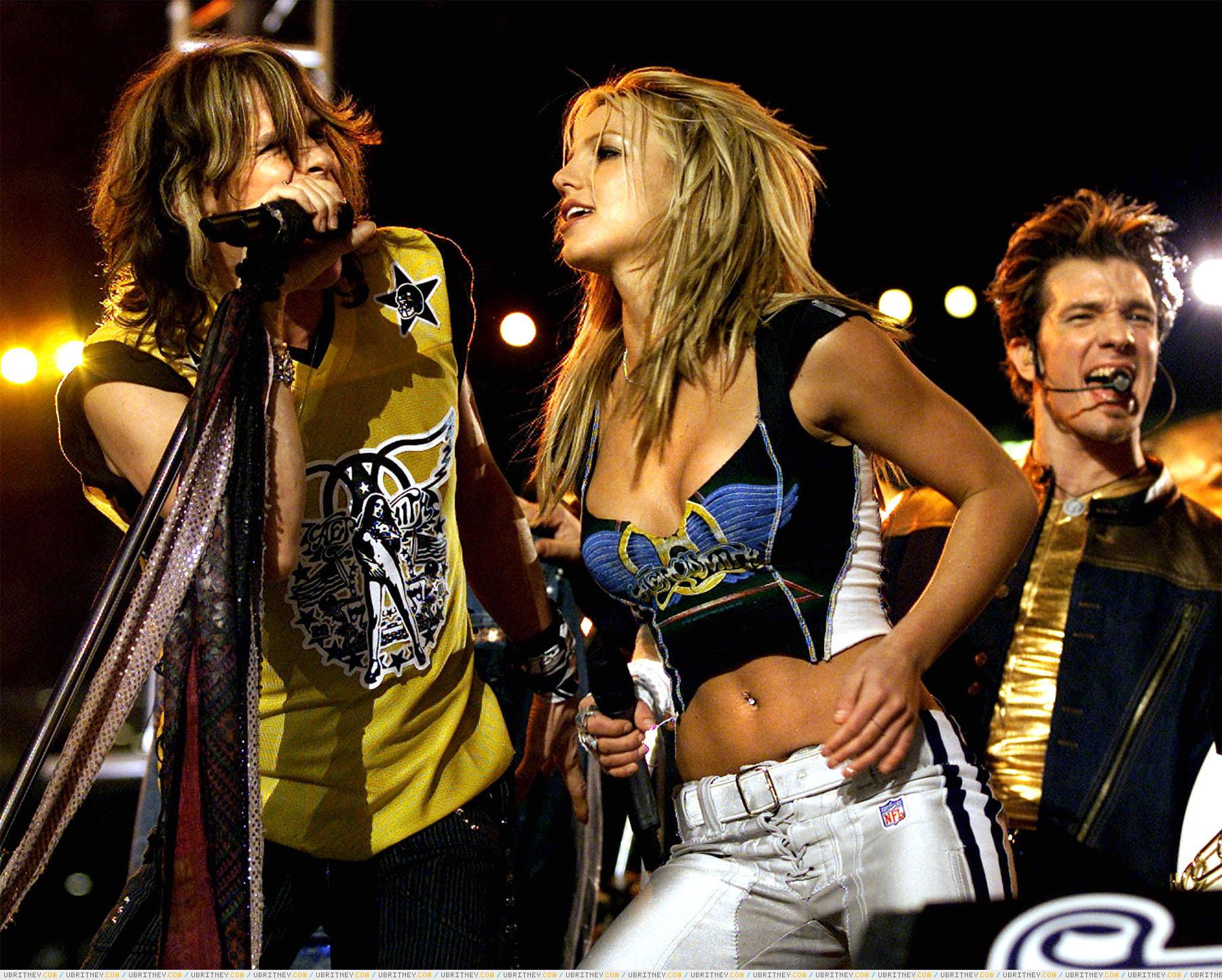 Шоу Super Bowl XXXV Halftime (Бритни Спирс, Britney Spears) .
